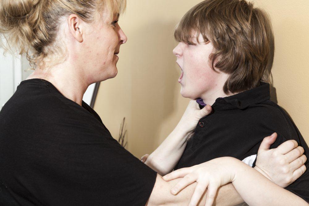La violence chez l'enfant et l'ado, prévenir et contenir