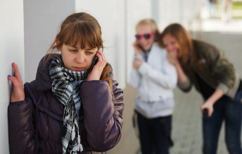 « Génération connectée » : le portable comme outil de médiation avec les adolescents