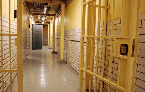 Précarité et justice : l'accompagnement des personnes avant ou après une condamnation
