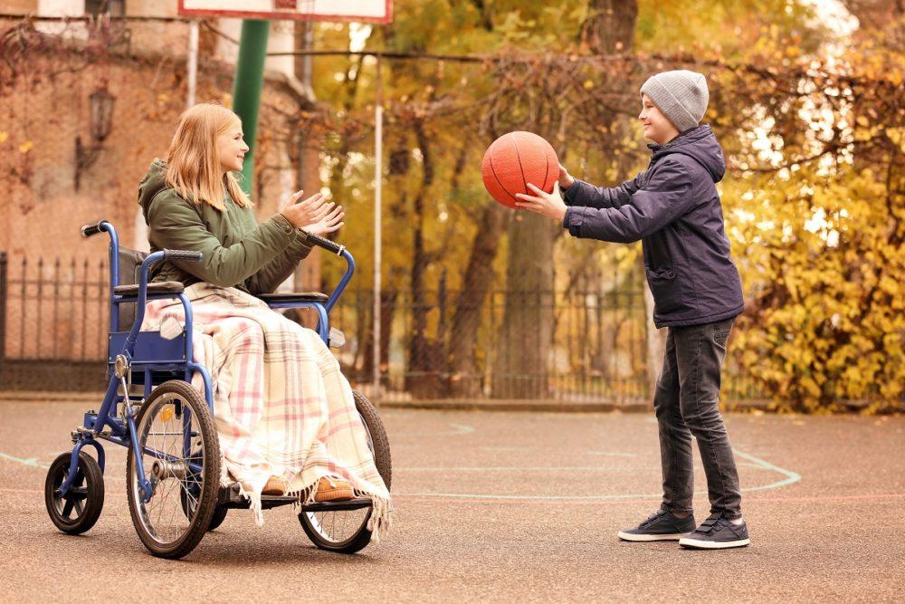 L'enfant porteur de handicap: Evolution ordinaire et pathologique