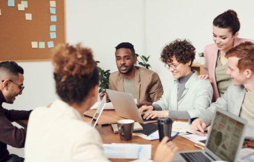 Manager en régulant ses relations avec les membres de son équipe, en les accompagnant au quotidien – Approche Systémique